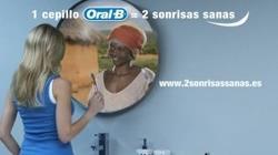 Cepillo de dientes Oral-B Crossaction Complete multiplica sonrisas sanas